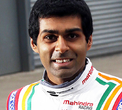 "Karun Chandhok waiting for your questions at ""Ask a Pro""."