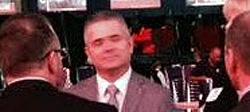 Gil de Ferran holding court.